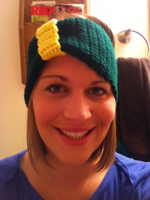 Ear Warmer - continuous all the way around (no button).